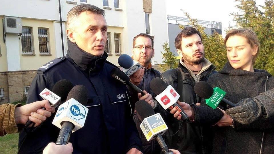 Andrzej Borowia podczas konferencji prasowej policji w Poznaniu na temat zaginięcia Ewy Tylman