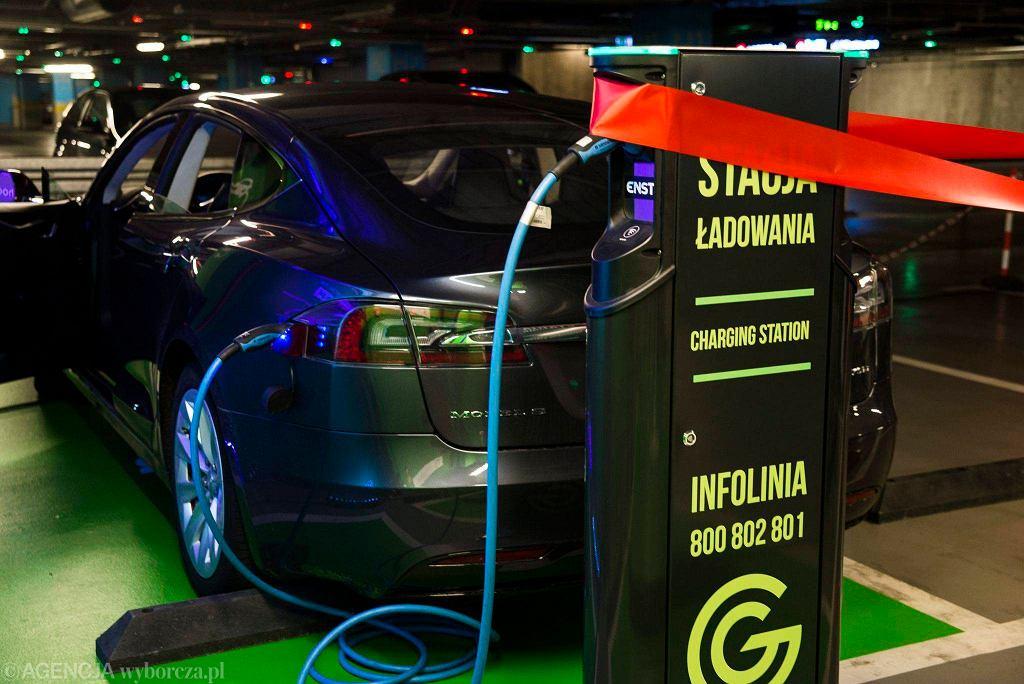 Wypożyczalnia samochodów elektrycznych w Galerii Katowickiej