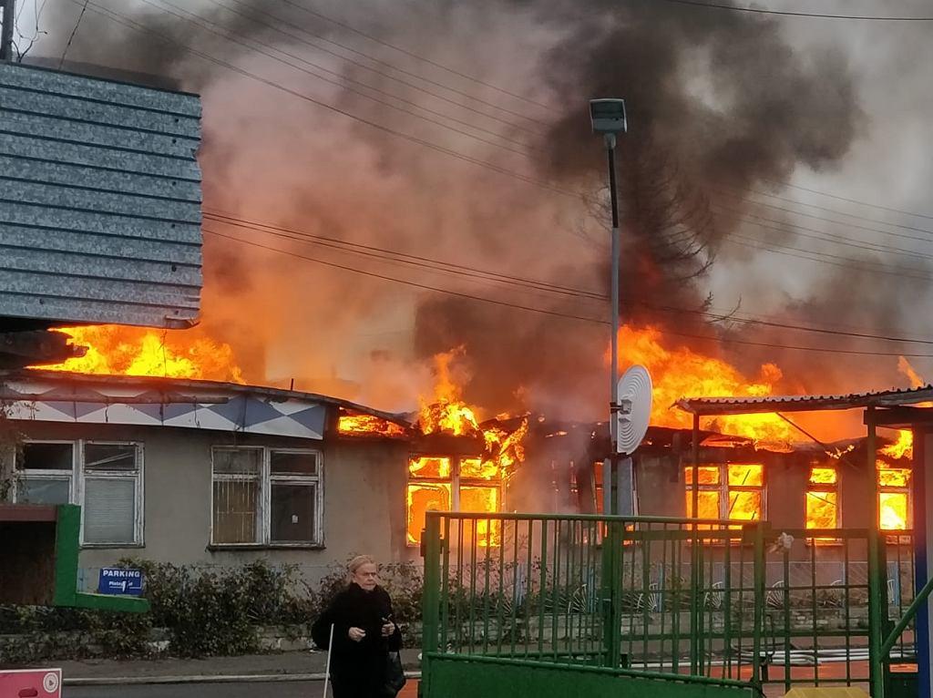 Pożar magazynu przy ul. Bakalarskiej we Włochach