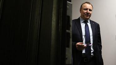 """Banaś wyszedł z TVP, Kurski może wyjść z siebie. """"Zawiadomienie ws. podejrzenia popełnienia przestępstwa"""""""
