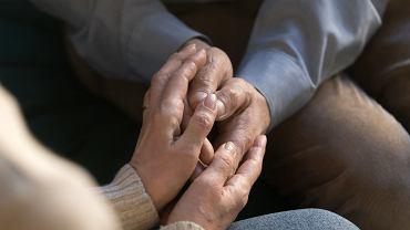 Ubezpieczenie na wypadek śmierci to finansowa ulga dla pogrążonej w żałobie rodziny.