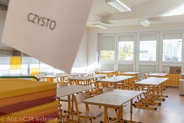 Powrót do szkół starszych klas. Prof. Horban: Szkoła jest priorytetem