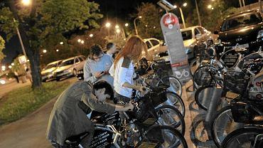 Warszawa jeździ na rowerach