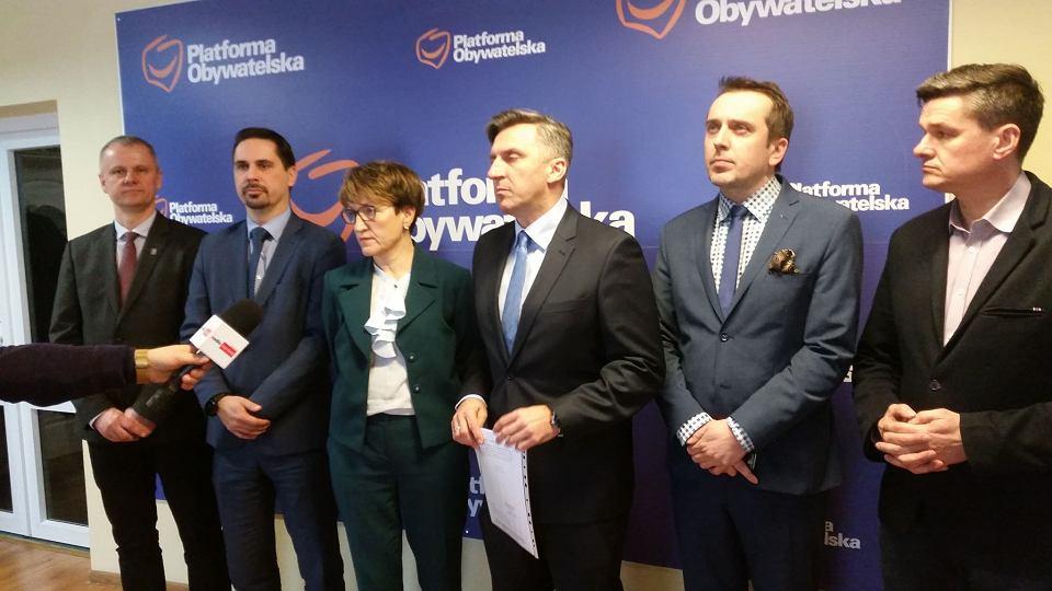 Konferencja Platformy Obywatelskiej w sprawie komory hiperbarycznej