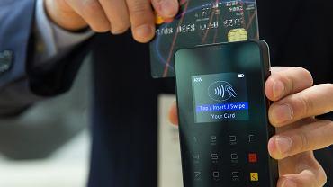 Polacy pokochali płatności kartą. Szczególnie zbliżeniowe