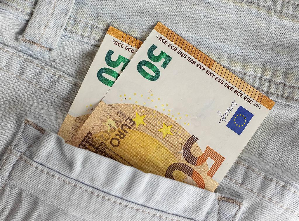 Polskie zarobki poniżej średniej unijnej