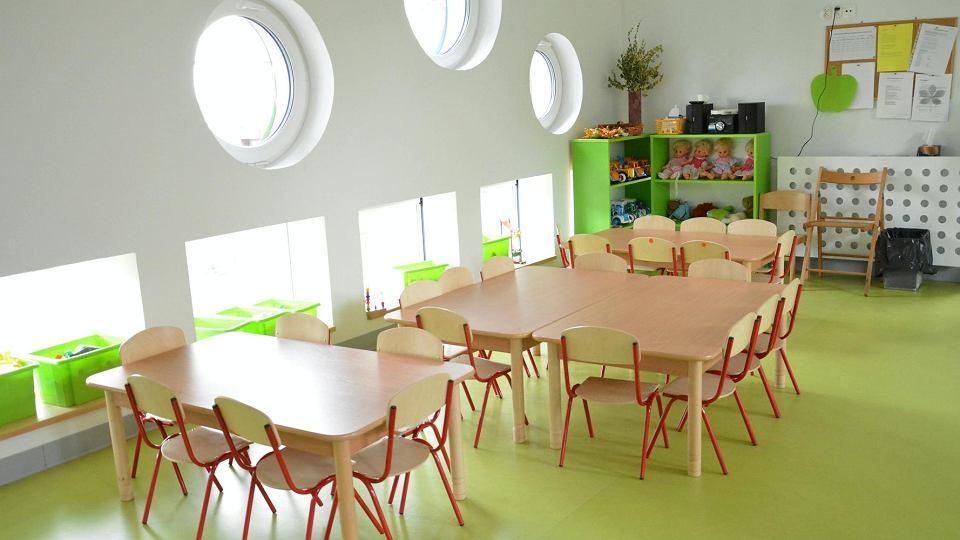 Przedszkola w Poznaniu zostały zamknięte po wniosku urzędu miasta, dzień później placówki zostały zamknięte w całej Polsce