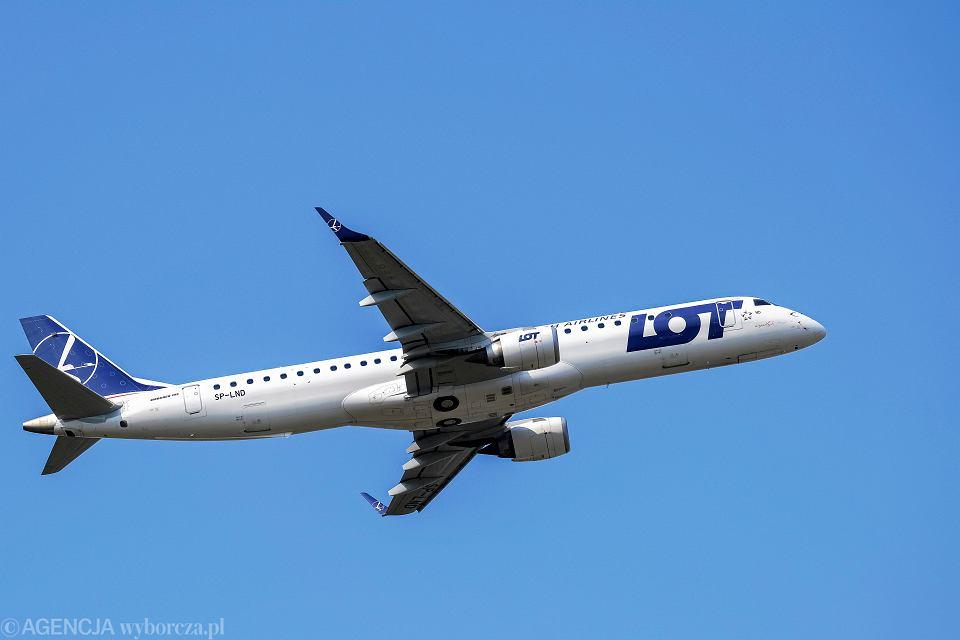 Samolot Embraer ERJ 195 należący do Polskich Linii Lotniczych Lot