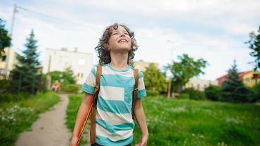 Kiedy dziecko może wracać samo ze szkoły?