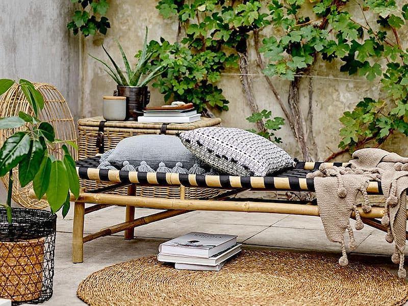 Meble balkonowe Bloomingville świetnie odnajdą się również w salonie i innej przestrzeni domu.