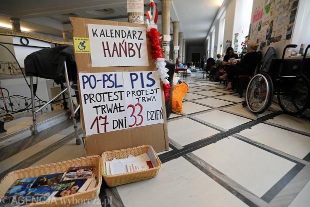 33. dzień protestu rodziców i dorosłych osób niepełnosprawnych w Sejmie