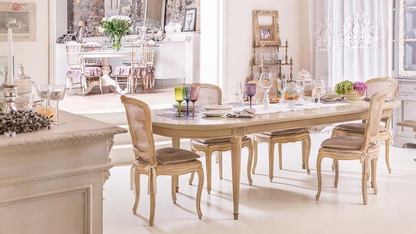 Poduszki na krzesła wiązane w eleganckim stylu