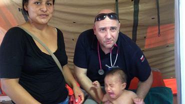 Paweł Kukiz-Szczuciński na misji humanitarnej w Huarmey (Peru), które zostało spustoszone przez powodzie. Fot. Facebook (profil Kukiz-Szczucińskiego)