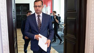 6.06.2019, Warszawa, Marcin Romanowski jako wiceminister sprawiedliwości na pierwszym posiedzeniu rządu po rekonstrukcji.