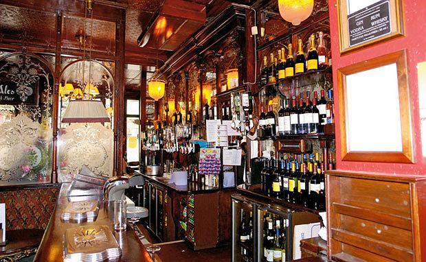 piwo, alkohol, Piwo: królewska pinta w londyńskim pubie, Pub The Salisbury na Soho