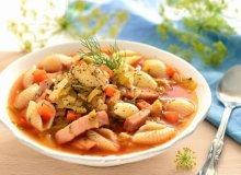Zupa z młodej kapusty z muszelkami - ugotuj