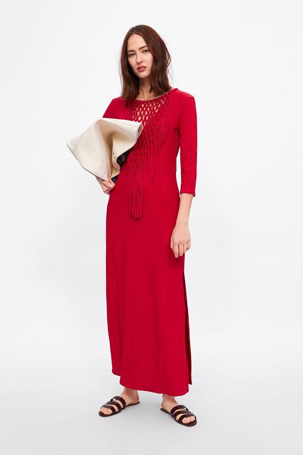 Czerwona sukienka z frędzlami