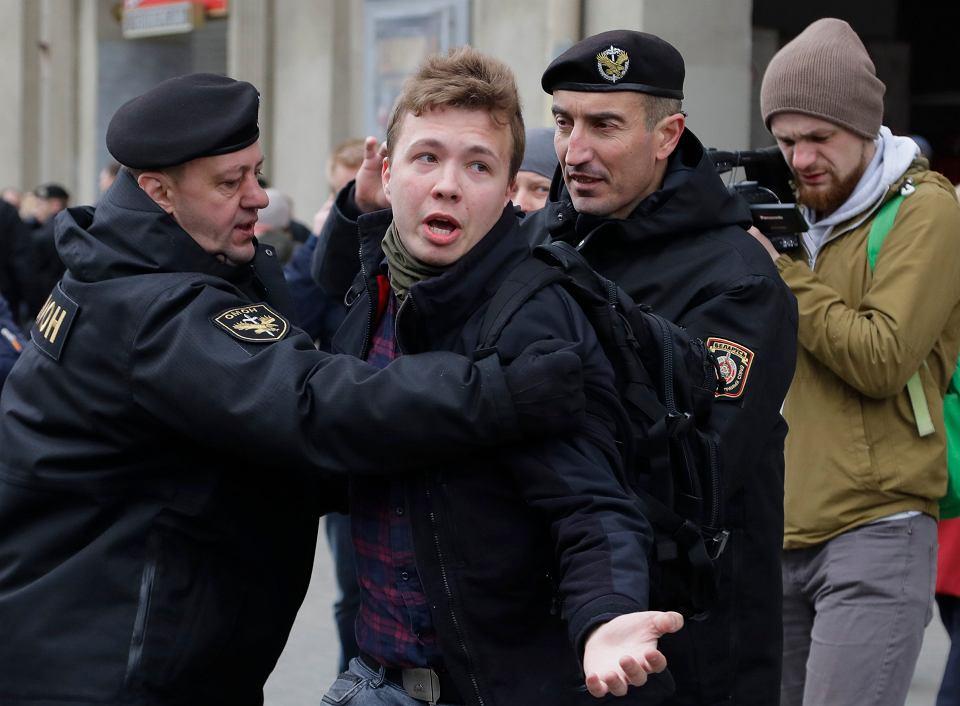 Roman Protasewicz zatrzymywany w Mińsku podczas akcji protestacyjnej, 26 marca 2017