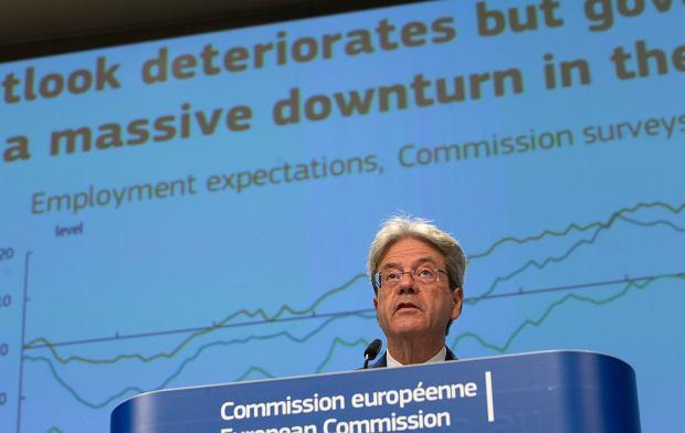 Komisarz ds. gospodarczych Paolo Gentiloni