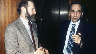 Bronisław Geremek i Tadeusz Mazowiecki podczas spotkania liderów 'Solidarności' z przedstawicielami KC PZPR 29 marca 1981 r. w Warszawie. Tematem rozmów było odwołanie ogólnokrajowego strajku, który miał być reakcją na pobicie działaczy 'Solidarności' w Bydgoszczy.