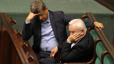 Janusz Palikot i Leszek Miller w czasie ostatniego posiedzenia Sejmu przed przerwą wakacyjną w 2014 r.
