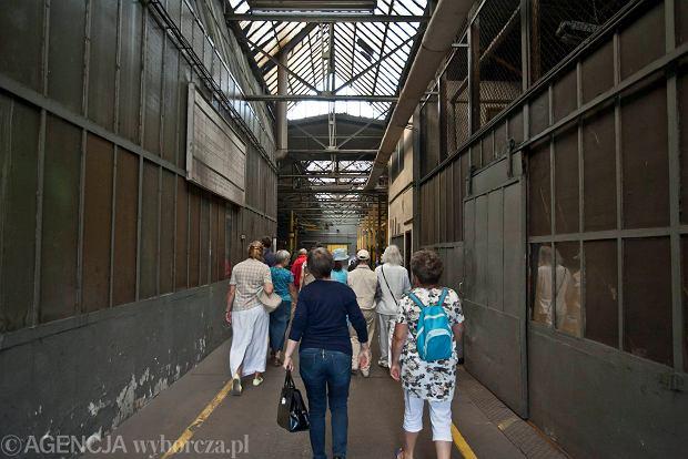 Zdjęcie numer 4 w galerii - Zwiedzali 150-letnią fabrykę obrabiarek na Wilczaku [ZDJĘCIA]