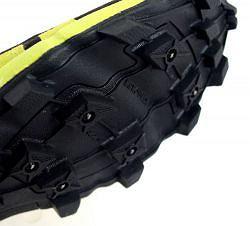 Buty do biegania w terenie inov-8 oroc 280 wyposażone w kolce do biegania po lodzie