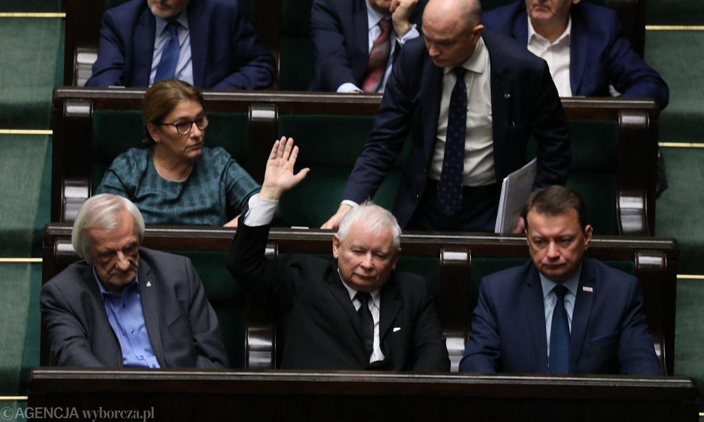 Ekspresowe głosowanie w Sejmie ws. zmian w ustawie o Sądzie Najwyższym. Na zdjęciu PiS - m.in. Jarosław Kaczyński