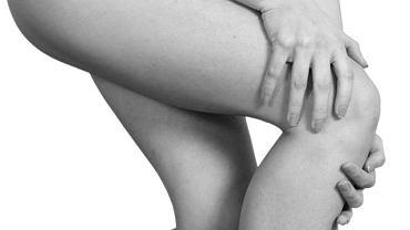 Napadowe, bardzo silne skurcze mięśni obejmujące przede wszystkim kończyny dolne mogą oznaczać tężyczkę