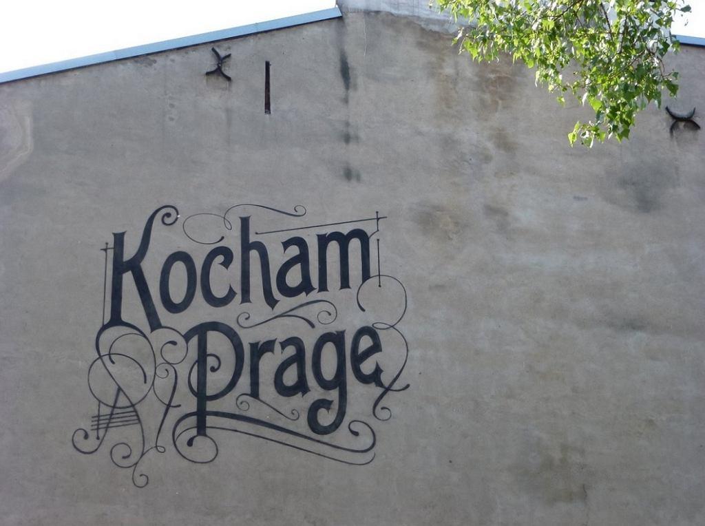 Mural 'Kocham Pragę', autor: Tomasz Biernat