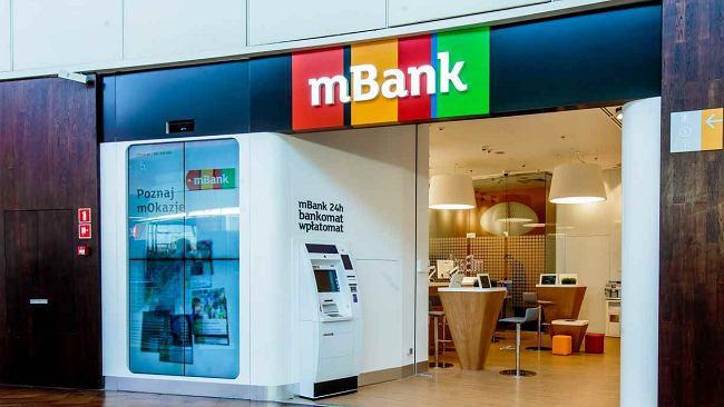 Masz konto w mBanku? Od 19 sierpnia możesz zapłacić więcej za kartę i bankomaty