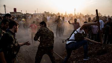 Terroryści uciekają z więzień, alianci Turcji wykonują egzekucje. 'Świat nie reaguje na zbliżające się piekło'