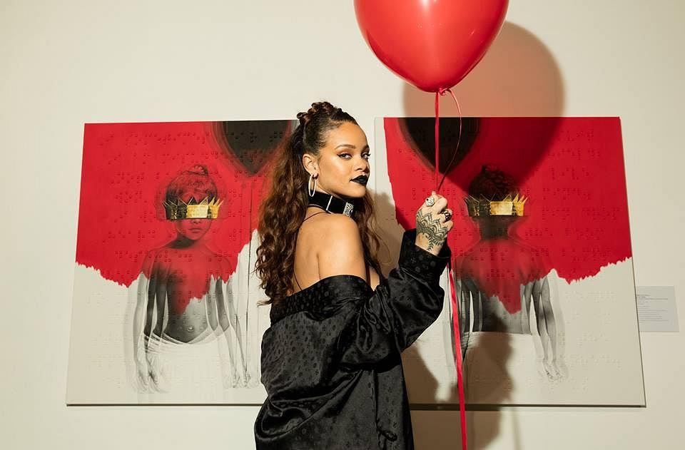 Rihanna podczas wystawy w galerii sztuki MAMA, Los Angeles