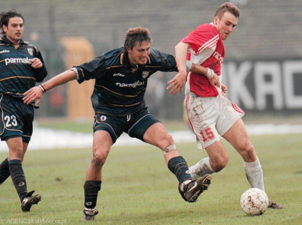 Na zdjęciu Marek Zając przeciwko Parmie