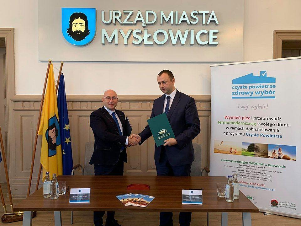 Porozumienie podpisali Tomasz Bednarek, prezes WFOŚiGW, oraz Dariusz Wójtowicz, prezydent Mysłowic