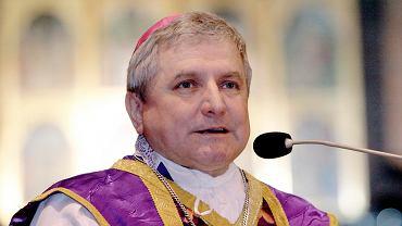 Biskup kaliski Edward Janiak chronił księdza Arkadiusza H.