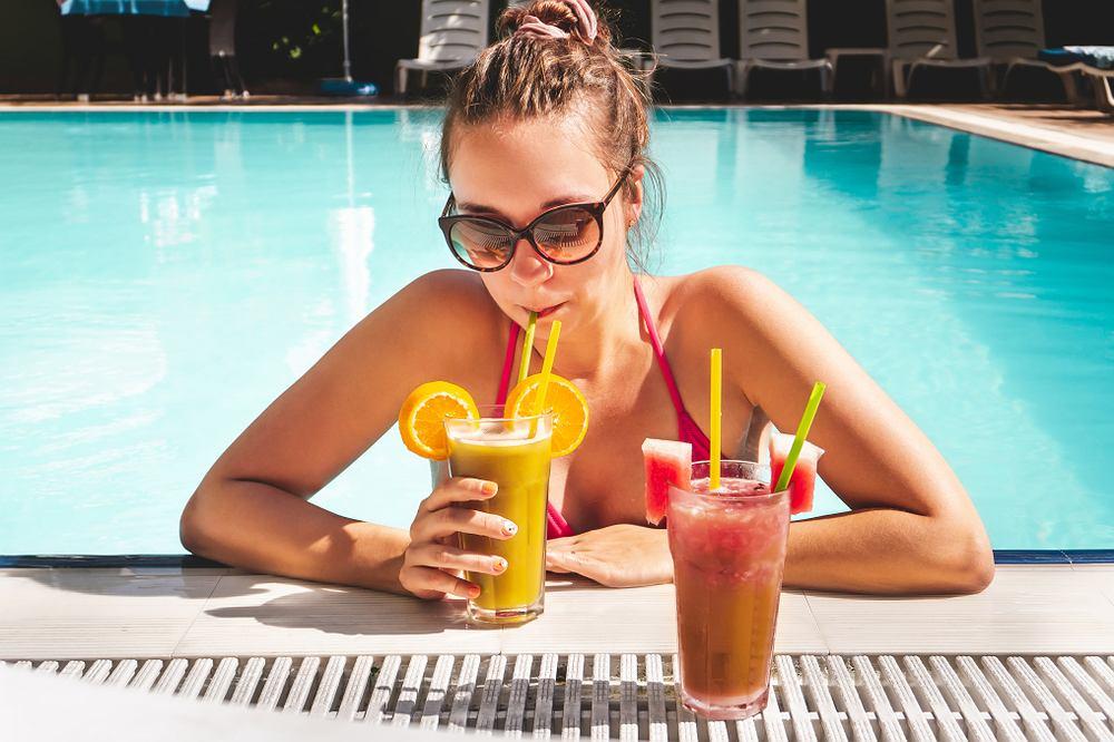 Wybierając wakacje w formule all inclusive większość urlopowiczów dopłaca sporą kwotę do wakacji