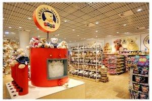 SMYK inauguruje sezon świąteczny, prezentując wyniki badania zwyczajów polskich rodziców związanych z kupowaniem prezentów dla dzieci