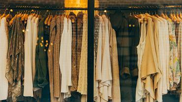 Trendy: Najmodniejsze ubrania i hity sprzedażowe 2019 roku