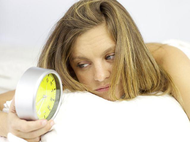 Zarwane w tygodniu noce odsypiasz w weekend? To nie wystarczy, żeby się zregenerować