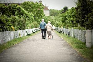Wiemy już, ile ostatecznie wyniesie waloryzacja emerytur i rent. GUS podał ostatnie dane. Co z 500 plus dla emerytów?