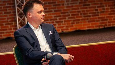 Szymon Hołownia: Nie powinno się robić polityki na Smoleńsku