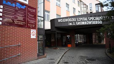 Koronawirus. Szpital im. Gromkowskiego przy ul. Koszarowej we Wrocławiu