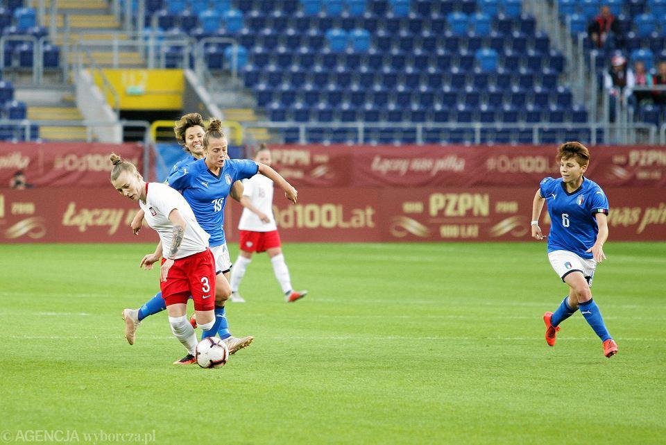 Gabriela Grzywińska (przy piłce) podczas meczu Polska - Włochy 1:1 na Arenie Lublin