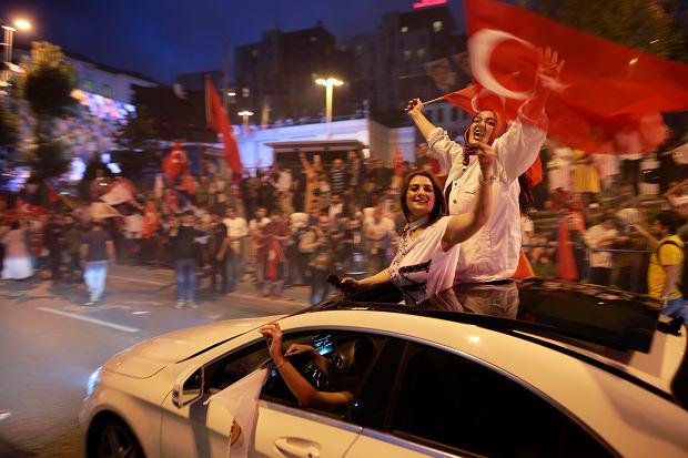 Turcja. Radość zwolenników Erdogana po wyborach