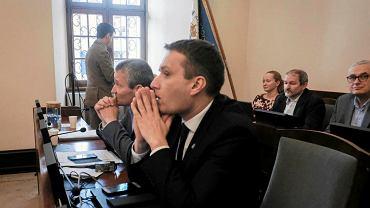 Wiceprezydenci Mariusz Wiśniewski (pierwszy z prawej) i Jędrzej Solarski.