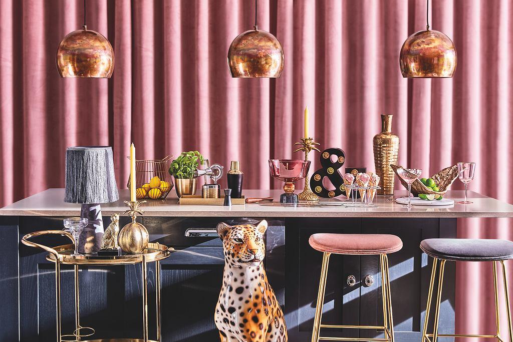 Modne, funkcjonalne i odpowiednio dobrane naczynia stołowe będą idealne jako prezent na parapetówkę.