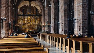 Pandemia koronawirusa. Wierni podczas mszy w kościele św. Brygidy. Gdańsk 15 marca 2020