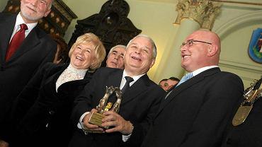 Prezydent Nowego Sącza Ryszard Nowak (na zdjęciu z prawej) podczas uroczystości nadania tytułu Honorowego Obywatela Miasta Nowego Sącza prezydentowi RP Lechowi Kaczyńskiemu. Nowy Sącz, 9 listopada 2009