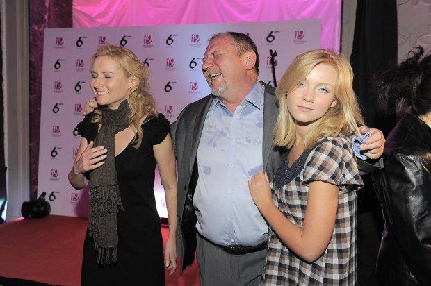 Andrzej Grabowski z córkami Zuzanną i Katarzyną